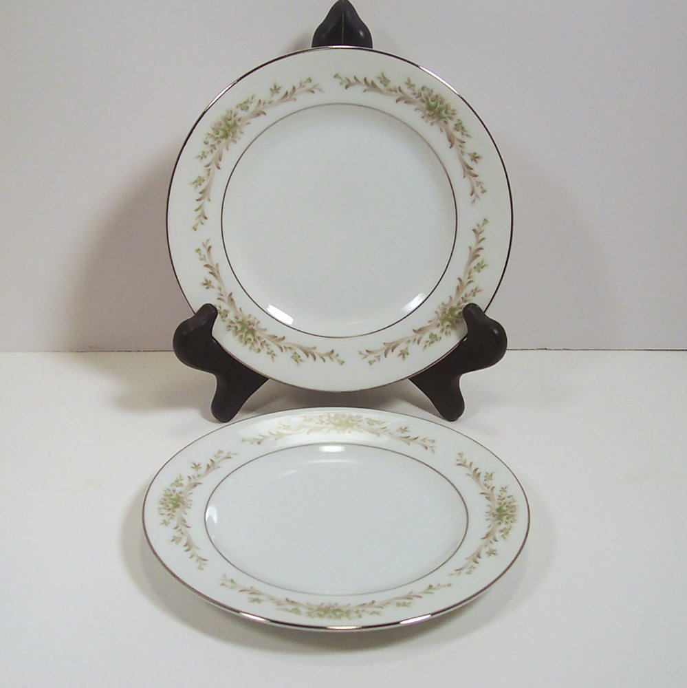 """Wyndham Fine China Penrose Pair of Bread & Butter Plates 6 5/8"""" 394 Japan"""