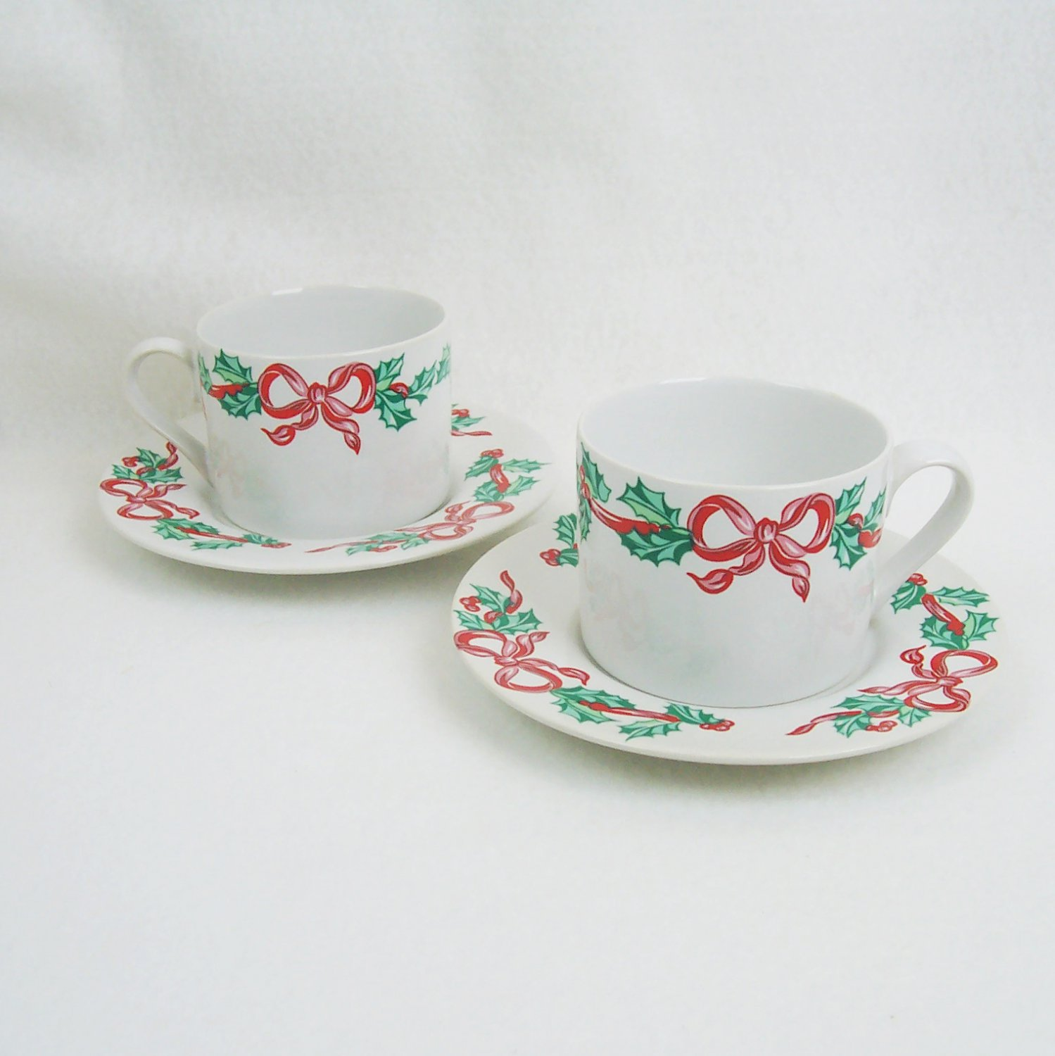 International Tableworks Christmas Ribbons Pair of Cups and Saucers Pattern 157