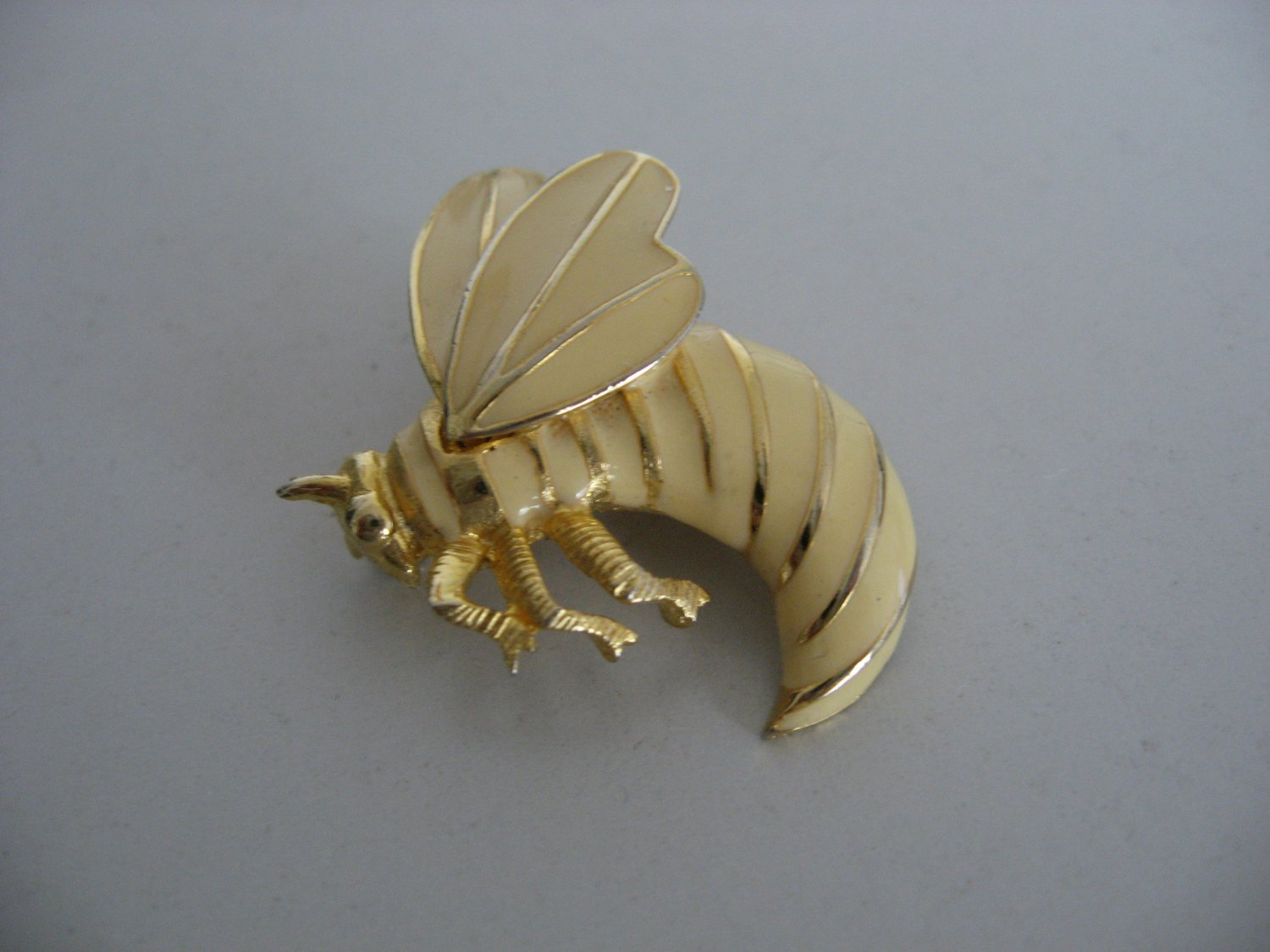 Gold Tone Flying Bee Brooch