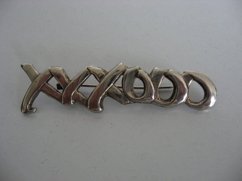 Silver Toned XXXOOO Brooch