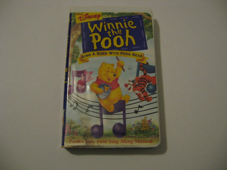 Walt Disney's - Winnie The Pooh  (VHS)