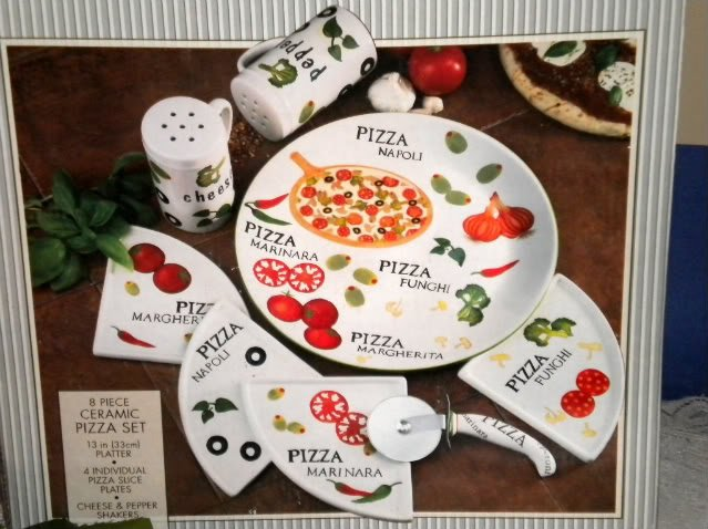 & The Main Ingredient 8 Pc Ceramic Pizza Plates Set NEW
