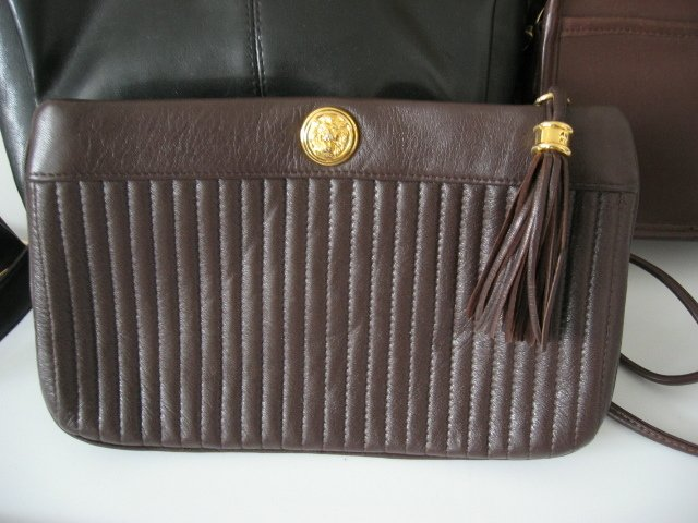 25.	AUTHENTIC ANNE KLEIN CLUTCH WOMEN'S BAG HANDBAG MAKEUP POCHETTE LEATHER brown