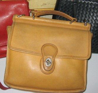 AUTHENTIC TAN camel COACH willis MESSENGER BAG WOMEN'S PURSE BRIEFCASE HAMPTON STATION office bag