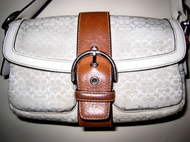 AUTHENTIC COACH WHITE SIGNATURE LEATHER BAG purse handbag women's accessory cute!