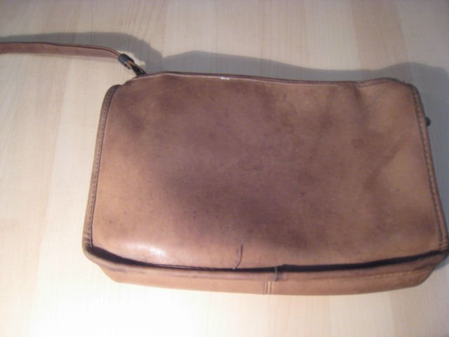 AUTHENTIC COACH BROWN i-pod makeup cell phone digital camera case BAG PURSE LEATHER WOMEN'S