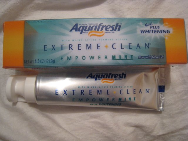 lot 4 AQUAFRESH TOOTHPASTE EXTREME CLEAN EMPOWER MINT PLUS WHITENING GEL BEAUTY HEALTH HOME