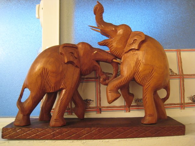 2 handcarved FIGHTING ELEPHANT WITH TUSK STATUE CARVING WOOD FIGURINE COLLECTIBLE