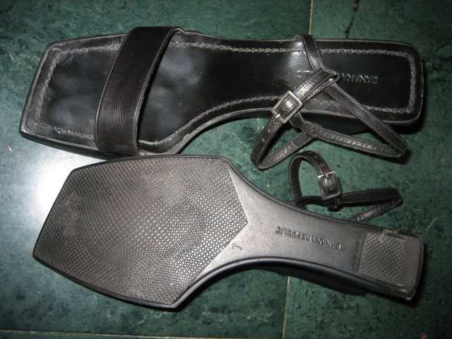 ITALY WOMEN'S STRAPPY BLACK LEATHER BANANA REPUBLIC SZ 7 SHOES HEELS DRESS