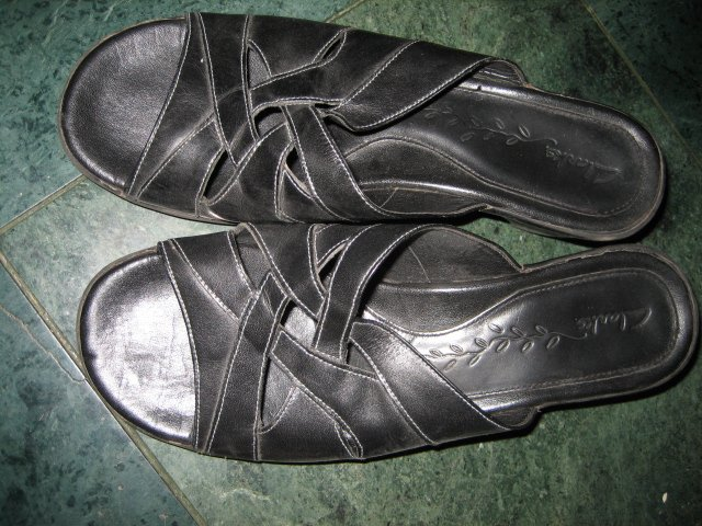 WOMEN'S CLARKS BLACK LEATHER SANDALS SZ 7.5 SHOES HEELS