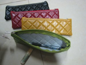 green PURSE WALLET LEATHER LIKE cushion TEXTURE phone makeup pencil case WOMEN'S ACCESSORY CHECKER