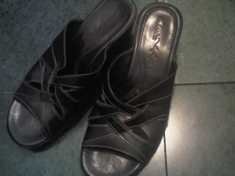 CLARKS BLACK SANDALS SANDAL SHOES WOMEN'S 7.5 LEATHER CLOTHES ACCESSORY