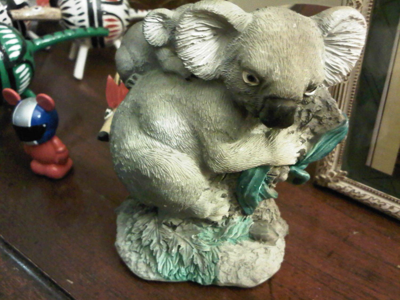 KOALA BEAR WITH BABY DECORATIVE COLLECTIBLE FIGURINE HOME