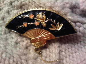 japan fan pin brooch VINTAGE JEWELRY WOMEN'S FASHION CLOTHING ACCESSORY