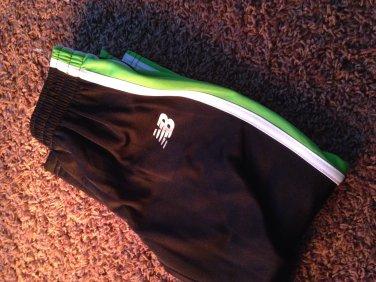 New balance kids 4T clothing boys girls pants green black white