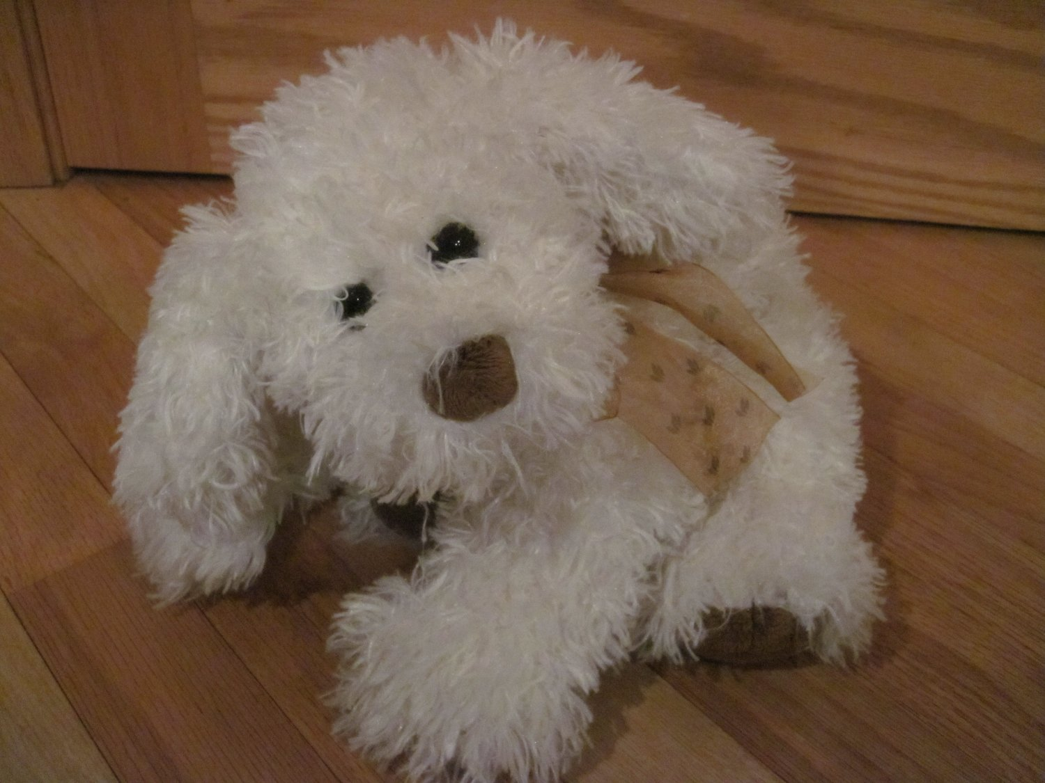 Ty Classics Retired White Cream Shaggy Puppy Dog Named Rabble 2005 Brown Nose Feet Bronze Ribbon