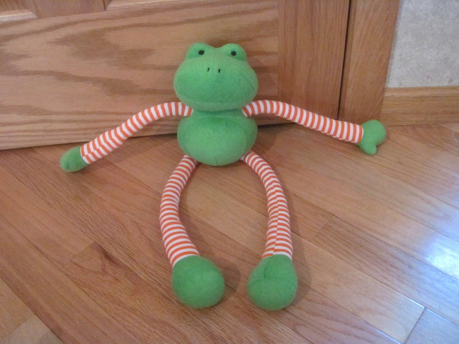 Manhattan Toys Zangerdees Ferbie Green Terry Cloth Frog Long Orange ...