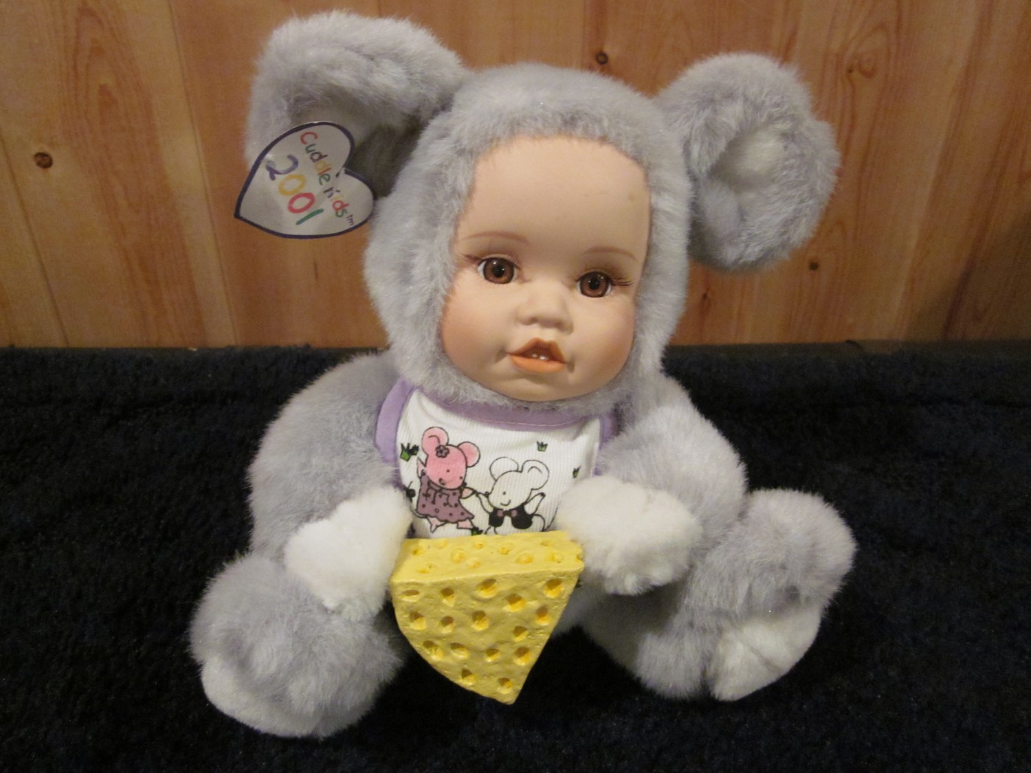 Geppeddo Cuddle Kids Marty Mouse Plush Doll Holding Cheese