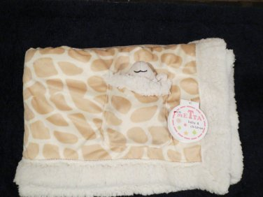 New with tags  MeTta Giraffe Print Baby Blanket with Plush Lamb