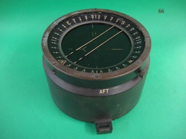 VINTAGE WWII BENDIX D-12 ARMY AIRCRAFT COMPASS NICE CONDITION