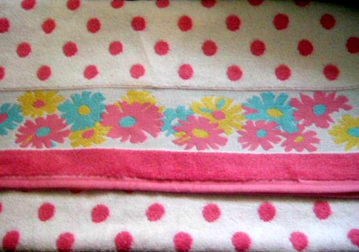 Floral Bath Towel Daisies and Polka Dots
