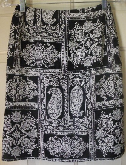 TALBOTS Black & White Knee-Length PRINT Skirt size 2P