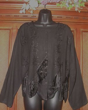 Great Details Drapey Stevie Style Gypsy Top in Jet Black