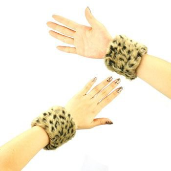 2 Winter Faux Fur Wrist Arm Warmer Cuff Slap On Wristband Fuzzy Furry Cheetah