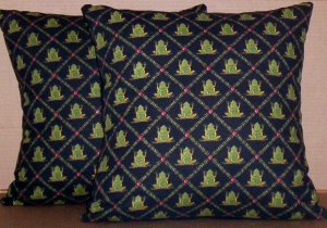 ~ SALE ~ 2 FROGS FABRIC THROW PILLOW COVERS FROG