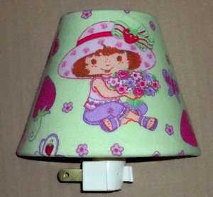 STRAWBERRY SHORTCAKE FABRIC NIGHT LIGHT LITE SPECIAL $2 OFF WITH FREE SHIPPING DETAILS INSIDE