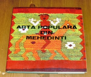 Romanian costumes from Mehedinti /Romanian folk art