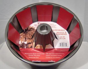 Crownburst Bundt Cake Pan