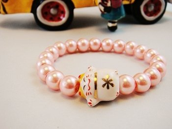 A0121 - Japanese Lucky Cat Genuine Tao Yue Tang (Pink)