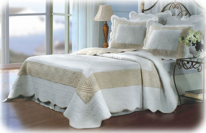 NEW WHITE TAN Quilt Bedspread/Shams Set FULL Size