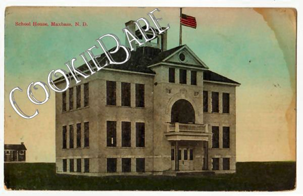 1914 North Dakota SCHOOL HOUSE MAXBASS Postcard F95