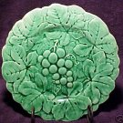 FRENCH SARREGUEMINES MAJOLICA POTTERY GRAPES & LEAVES PLATE, fm281
