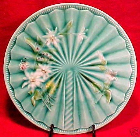 ANTIQUE ART NOUVEAU MAJOLICA Pottery PLATE V&B, gm346