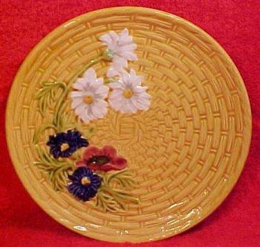 German Majolica Eidelweise Flowers Bouquet Plate, Schramberg, gm91