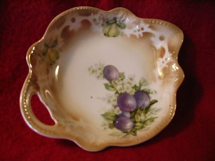 Three Crowns Germany Candy Relish Dish cuppatea.ecrater.com