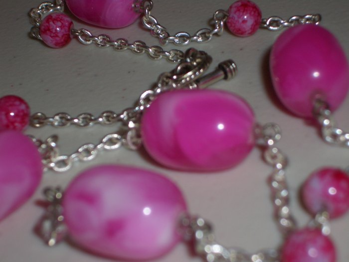 Pink Cotton Candy Baubles Necklace Chunky Oval Plastic Beads Silver Tone Chain Matinee Pendant