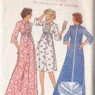 Retro Robe Housecoat Dressing Gown Size 38-40 Uncut Style 1593 Feminine Ruffles Peter Pan Mod Chic