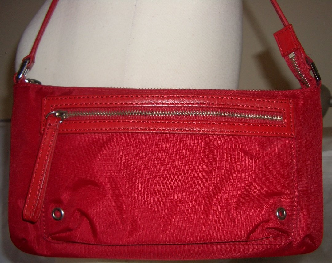 Classic Red Banana Republic Purse Nylon and Leather Trim Everyday Shoulder Bag Trendy Casual Chic
