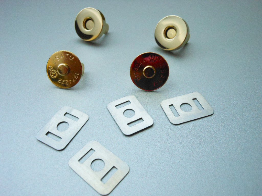 Gold Tone Metal Clip-On Magnetic Snaps 2 Sets Magnet Snap Buttons Arts Crafts Clothing Accessories