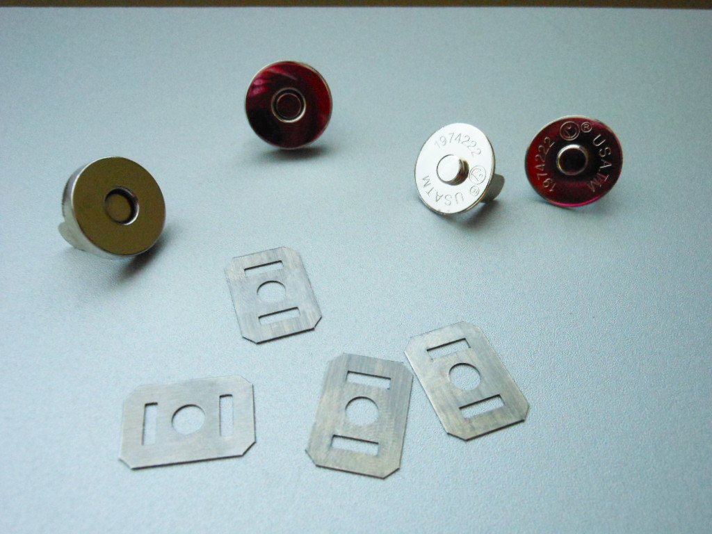 Silver Tone Metal Magnetic Snaps 2 Sets Clip-On Magnet Snap Buttons Arts Crafts Clothing Accessories