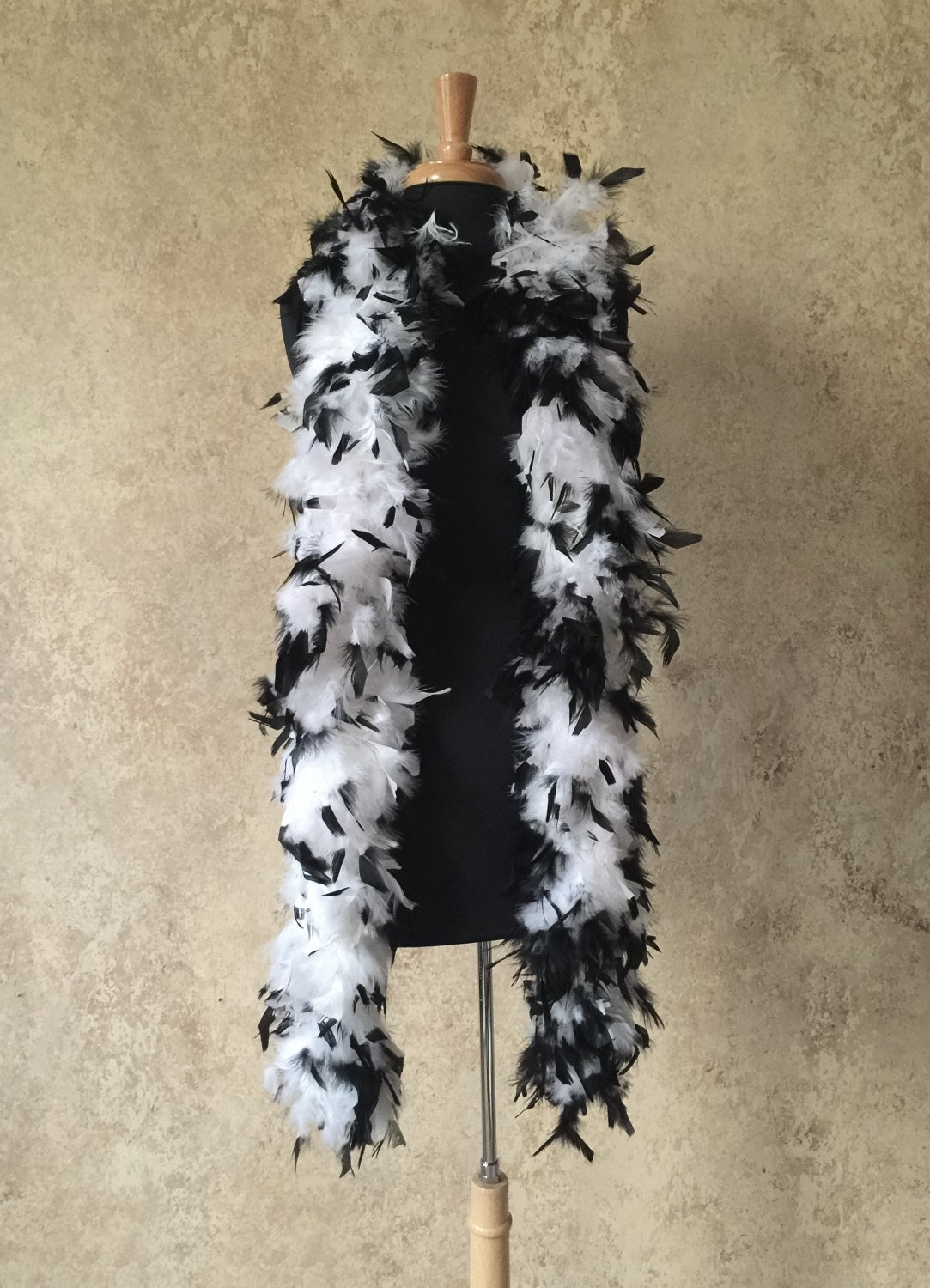 120gm gram  Black Tipped White Chandelle Feather Boa Halloween Costume Mardi gras