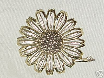 Vintage SARAH COVENTRY SIGNED 'DAISY MAE' Brooch /Pin