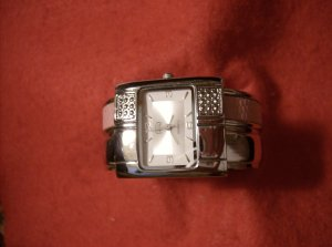 WRIST WATCH STUDDED WITH SIMULATED STONES