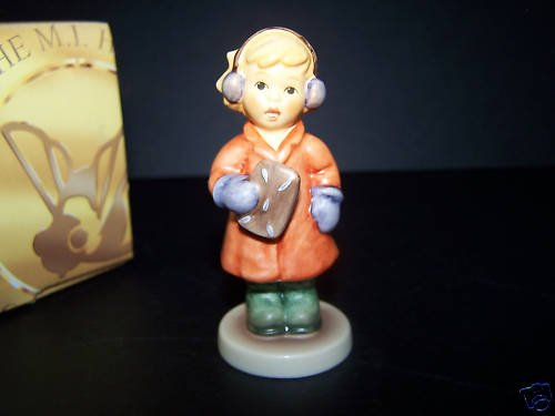 HUMMEL Goebel Sweet Treats HUM 2067/A Figurine NIB