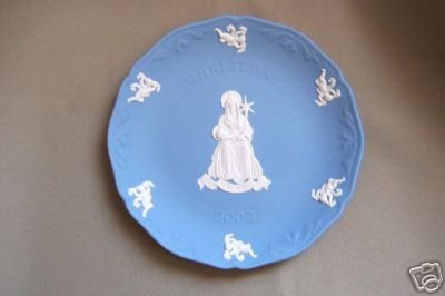 Wedgwood Blue Jasper Christmas Plate LOVE 2002 New