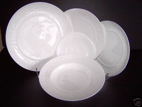 WATERFORD Garland Michael Aram 5 Piece Plate Setting for 4 New